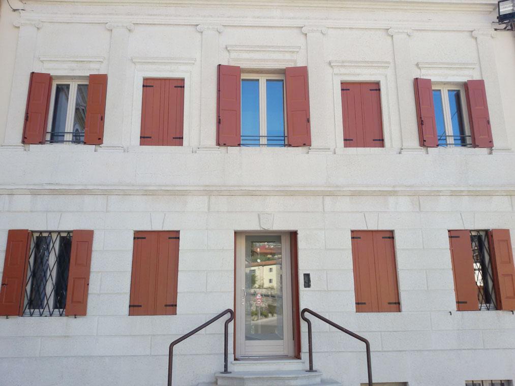 Porte Interne: FALEGNAMERIA Grasso Cesare - Verona: Serramenti in ...